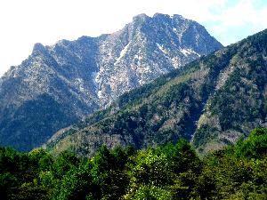 春の阿弥陀岳