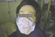 自作布マスクをつける